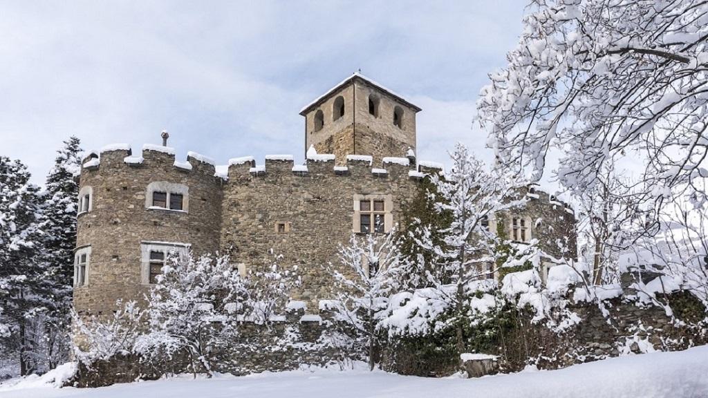 Schloss Introd
